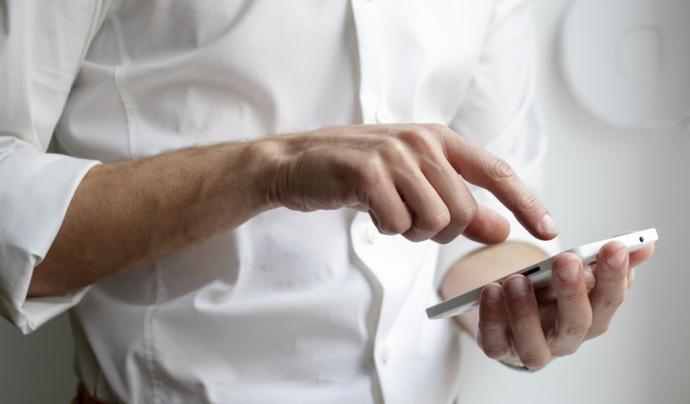 Les entitats estan obligades a tenir el certificat digital per rebre les notificacions electròniques.  Font: Unsplash