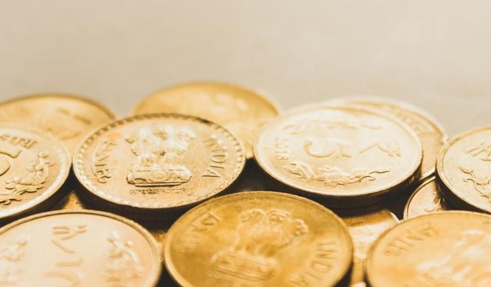 La recerca assegura que el 75% de les entitats consultades consideren com un element de confiança que les entitats financeres tinguin un segell ètic. Font: Unsplash. Font: Font: Unsplash.