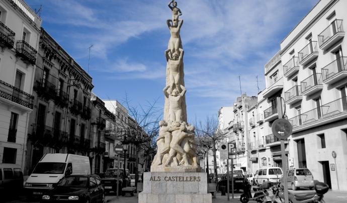 Imatge del monument als castellers a Vilafranca Font: Viquipèdia