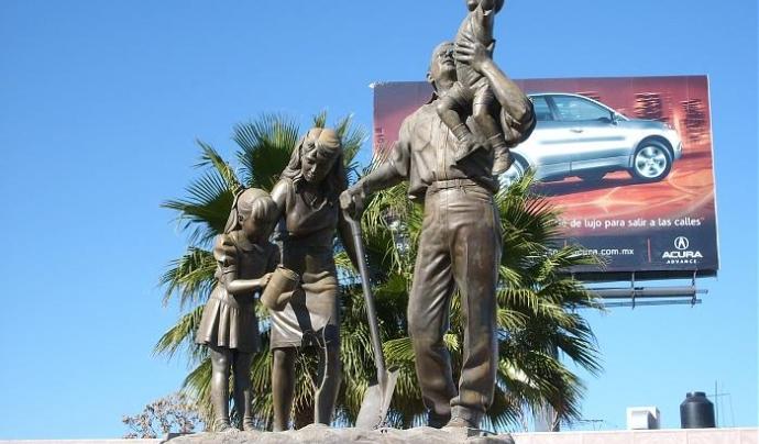 """""""Monumento a la familia"""" (Chihuahua, Mèxic)."""