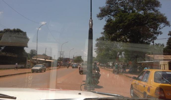 La capital de la República Centreafricana des d'un cotxe de Metges Sense Fronteres.