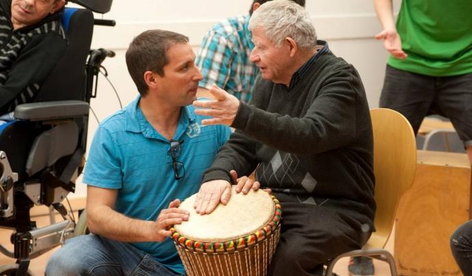 La musicoteràpia busca optimitzar la qualitat de vida i millorar la salut. Font: Fundació Orfeó Lleidatà
