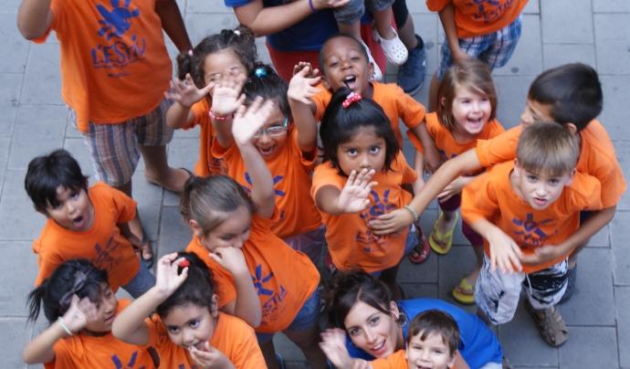 Nenes i nens en una activitat de Can Pedró Font: Fundació Can Pedró