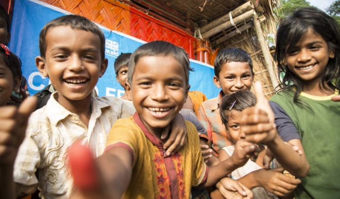 Save the Children gestiona projectes per donar cobertura nutricional i sanitària als infants rohingyes a Bangladesh.