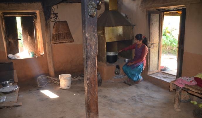 El programa al Nepal es centra en la promoció de cases segures des d'aspectes arquitectònics i de salut. Font: Base-A. Font: Font: Base-A.