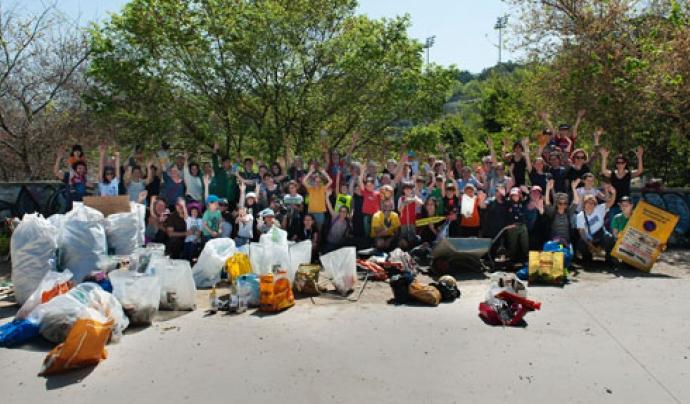 286 Quilos d'escombraries ha estat el resultat de la recollida Font: AMPA de Montjuïc