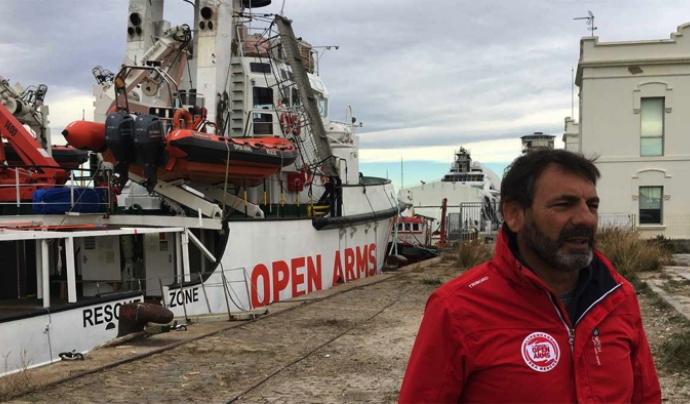 Open Arms blouquejat al port de barcelona