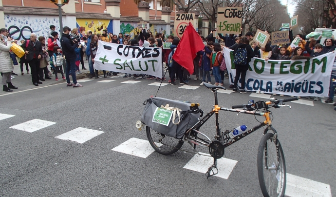 Manifestació de la CCUB per demanar una limitació en la circulació de cotxes en la ciutat. Font: Albert Garcia