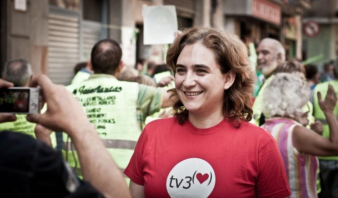 L'alcaldessa de Barcelona, Ada Colau, en un acte reivindicatiu de la PAH Font: Wikipedia