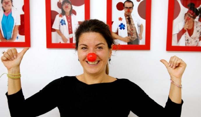 Angie Rosales és la fundadora i presidenta de Pallapupas, el grup de pallassos d'hospital. Font: Tomando-conciencia.org. Font: Font: Tomando-conciencia.org.