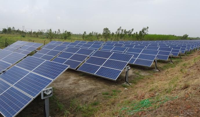 Panells fotovoltaics, per produir energia renovable. Font: CC