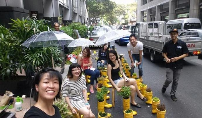 Celebració del Park(ing) day a Singapur (imatge: parkingday)