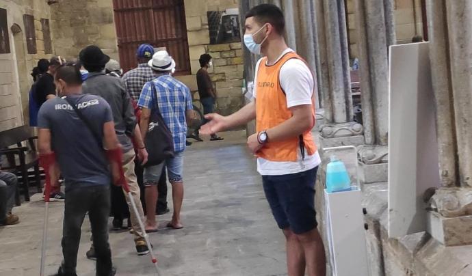 Unes 150 persones passen cada dia per l'Hospital de Campanya, a la parròquia de Santa Anna, a Barcelona. Font: Hospital de Campanya