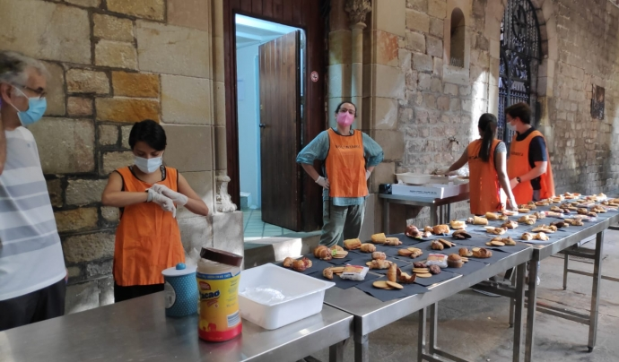 A Santa Anna no s'hi ofereix només menjar, sinó també suport sanitari i un espai per descansar. Font: Hospital de Campanya