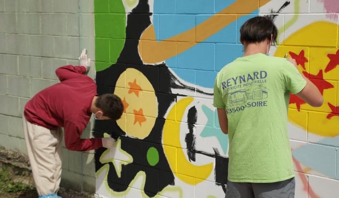 Els joves interns i les joves internes en centres de justícia juvenil estan participant en un projecte d'art. Font: Fundació Setba