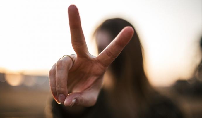 També s'abordaran les campanyes del moviment per la pau, experiències de l'ús de la no violència i pràctiques d'articulació de la convivència. Font: Unsplash. Font: Font: Unsplash.
