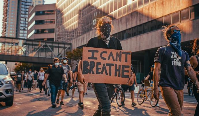 'I can't breathe', el lema de les protestes als Estats Units que s'ha estès arreu del món. Font: Josh Hild - Pexels
