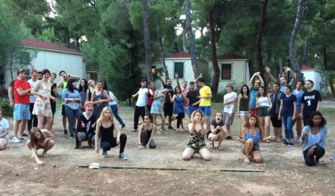 Performance a l'aire lliure de joves voluntaris europeus