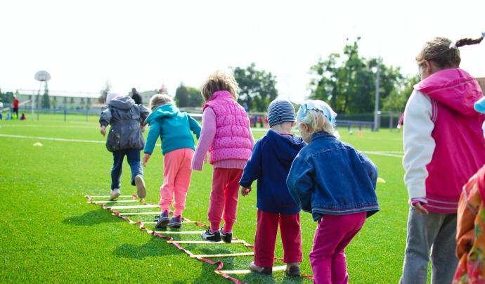 La participació infantil és essencial perquè els infants siguin conscients dels seus drets.  Font: Llicència CC