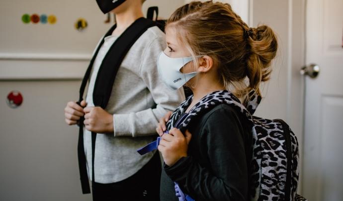Sense mascaretes transparents, l'alumnat amb sordesa no podia comunicar-se de la mateixa manera, el que suposava un obstacle el del seu seguiment acadèmic. Font: ACAPPS.  Font: Font: ACAPPS.