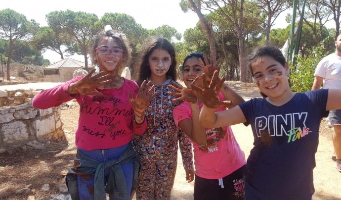 Infants del Líban en una activitat lúdica. Font: ATAP Calders