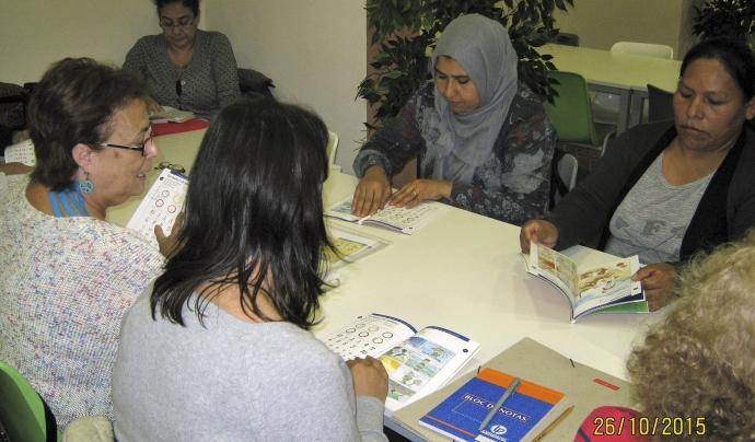 Imatge d'un programa de formació a persones adultes de la Fundació Canpedró