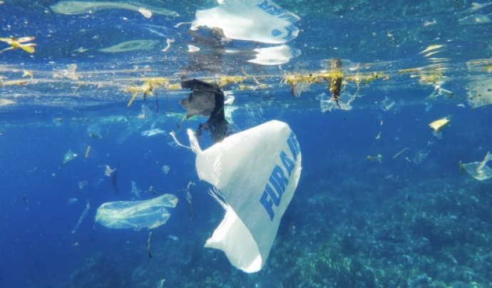 A Plastic Ocean (Craig Leeson, 2016) Font: Craig Leeson