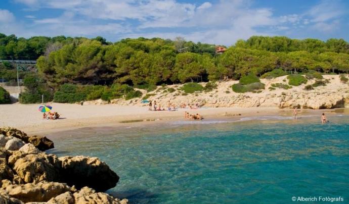 Cala dels Capellans, a Tarragona (imatge: tarragonaturisme.cat)