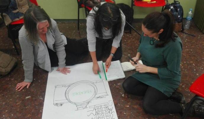 Pràctiques artístiques en l'àmbit socioeducatiu organitzades conjuntament per Artibarri i el CEESC Font: Artibarri i CEESC