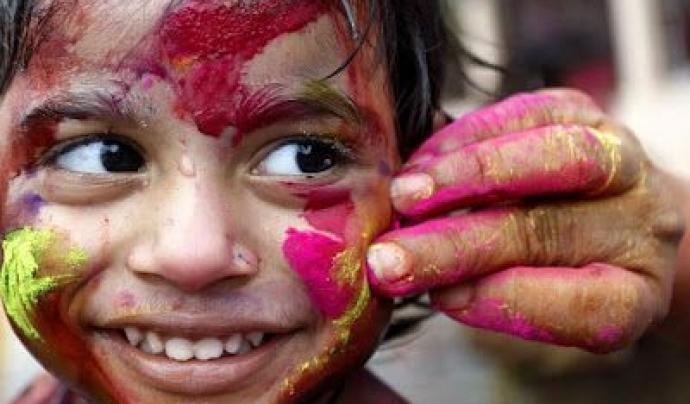 Nen amb cara pintada