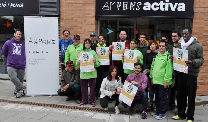 Usuaris d'AMPANS presentant la seva participació al Psychodelic Dance Festival  Font: AMPANS