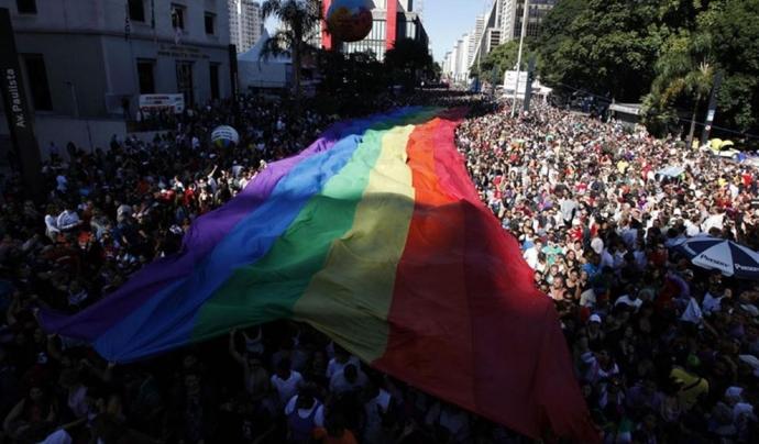 El moviment LGTBI s'uneix contra l'homofòbia. Font: Público