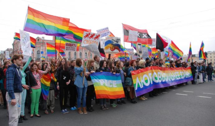 Protestes contra la vulneració dels drets LGBTI a Rússia.  Font: IdemTV