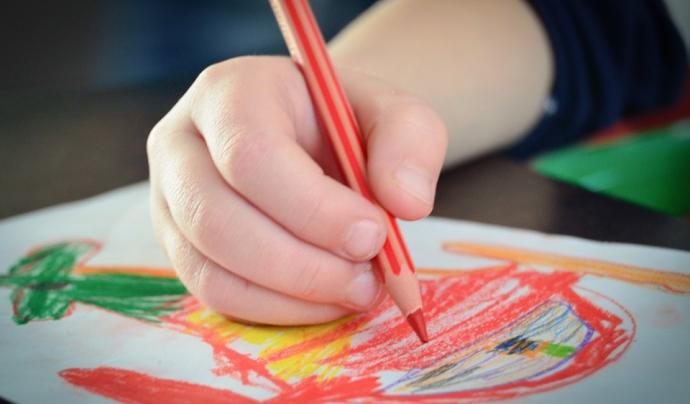 Infant dibuixant Font: Flickr