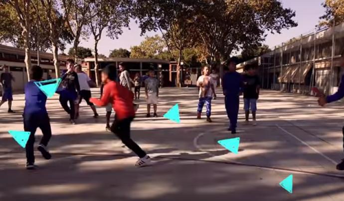 """Captura del vídeo """"Patis coeducatius. Guia per a la transformació feminista dels espais escolars"""" Font: Cooperativa de tècniques"""