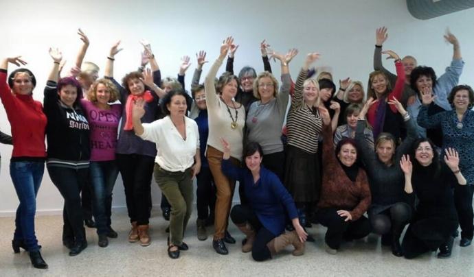 Participants al taller de sevillanes de la XIC de Castelldefels Font: XIC de Castelldefels