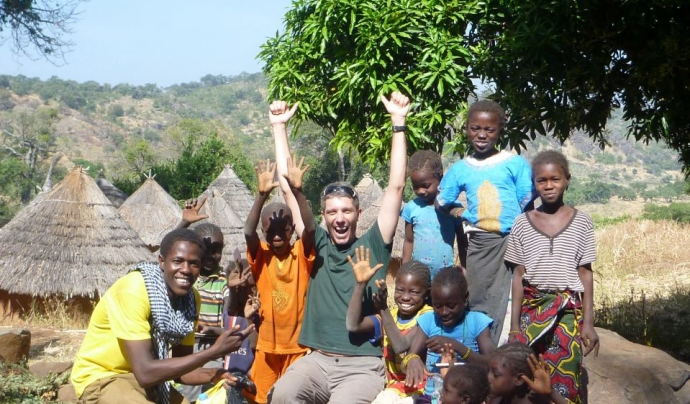 En Sidi i els infants feliços a Kédougou.