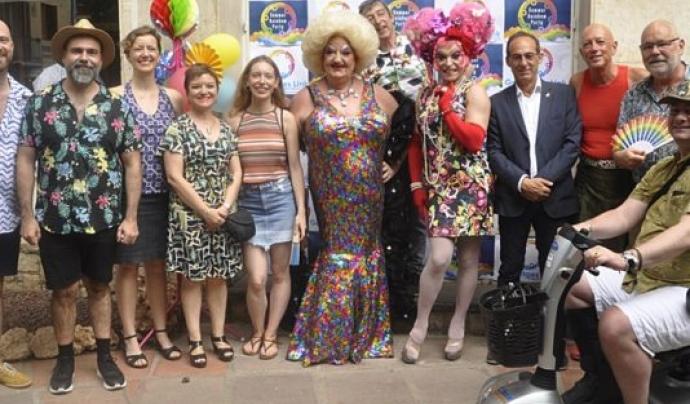 L'Associació LGTB Gay Sitges Link pretén integrar la comunitat LGTBI en el teixit social i associatiu de Sitges. Font: Associació LGTB Gay Sitges Link
