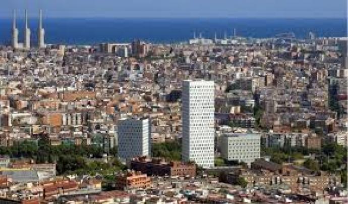 Panoràmica vista des de Santa Coloma.  Font: Wikipedia