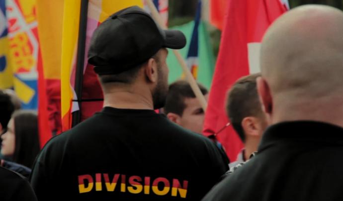 Fotograma del documental '12 d'octubre, cultura de l'odi i legítima autodefensa'
