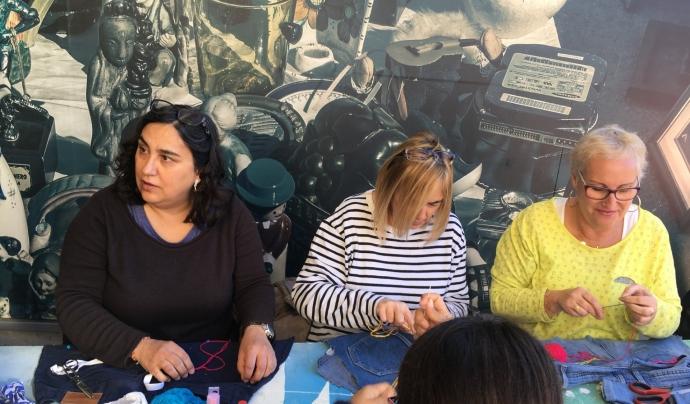 Associació Upcycling Barcelona, ofereixen tallers i formacions per introduir a la gent al fenomen de l'Upcycling. Font: Associació Upcycling Barcelona