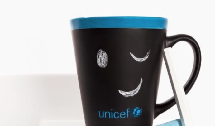 Tassa de pissarra d'UNICEF. Font: UNICEF