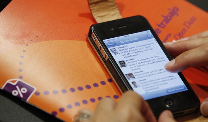 Des del mòbil es genera més interacció, i des de les 'app' hi ha més permanència als continguts que fent servir el web. Font: datos.gob.es