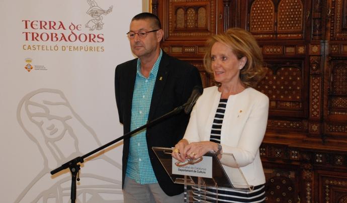 La consellera de Cultura i l'alcalde de Castelló d'Empúries anuncien l'acord Font: Cultura