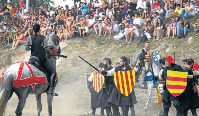 Batalla Campal al pont Vell a càrrec de Despertaferro, Arquers del Comtat, Acers Trempats, Club Arc Sant Celoni i Mittentis Sagittam. Font: Diari ARA