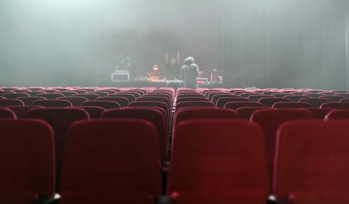 Tant companyies com sales tenen clar que el teatre necessita el contacte amb el públic. Font: CC