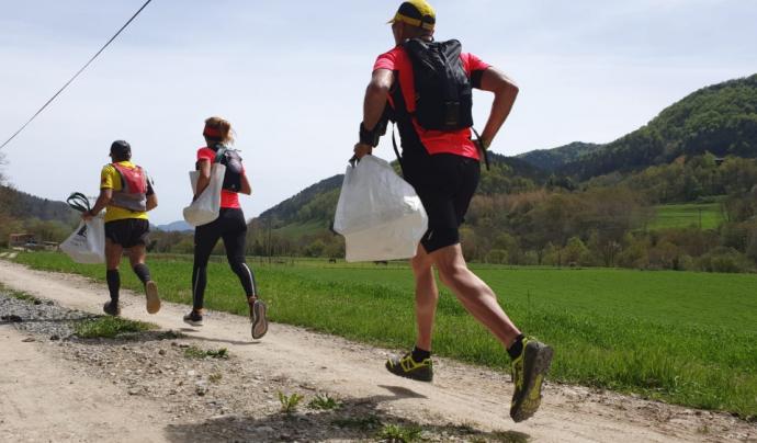 Tres participants d'una edició anterior de l'Ultra Clean Marathon. Font: Ultra Clean Marathon