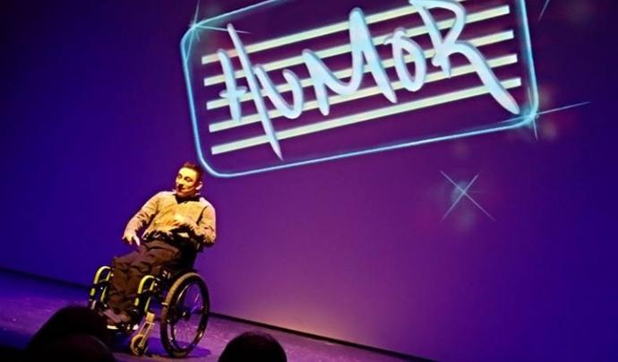 En Marc Buxaderas omple teatres amb el seu monòleg 'Posa un discapacitat a la teva vida'.