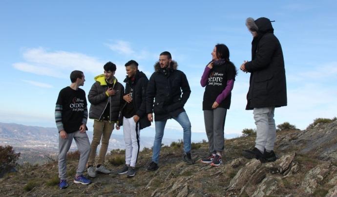 El programa Respirafons ofereix al jovent intern sortides a la natura al costat de persones voluntàries. Font: Associació Cedre