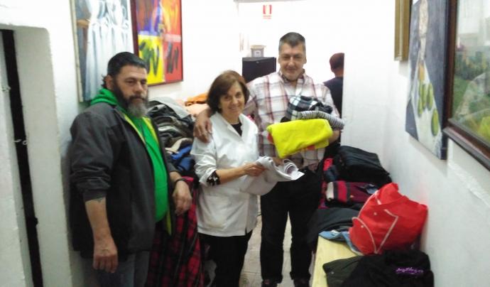 L'entitat ofereix roba neta a les persones usuàries del centre. Font: Laura Morral